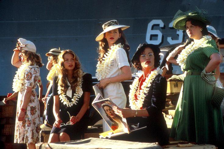 Kate Beckinsale & Jennifer Garner in Pearl Harbor