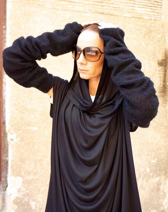 New Black  Warmers / Extra Long Extravagant Fully Knit door Aakasha