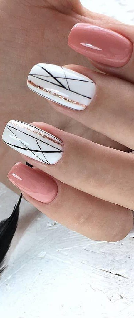 35+ Free Nail Art: Jazz Up Your Nails For The Party Season New 2019 – Page 24 of 35