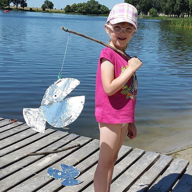 Moczykijek. #wędkowanie #dzieci #kids #jezioro #kidscraft #wędka