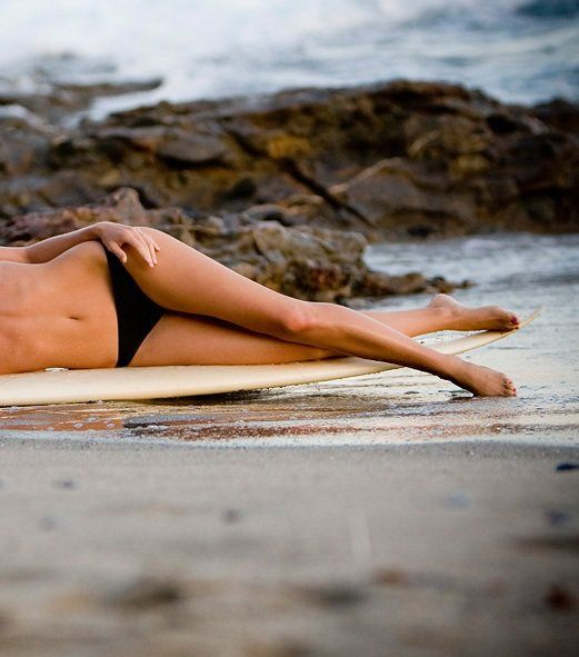 legs and surfboard: Στη Παραλία, Beaches Beaches Beaches, Υπέροχα Πόδια, Scrubs Για, Diy Scrubs, Surfing Girls, Για Υπέροχα, Πόδια Στη, Scrubs Που