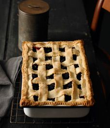 it is pie or is it cobbler? doesn't matter! looks delicious!  Old-time blackberry cobbler