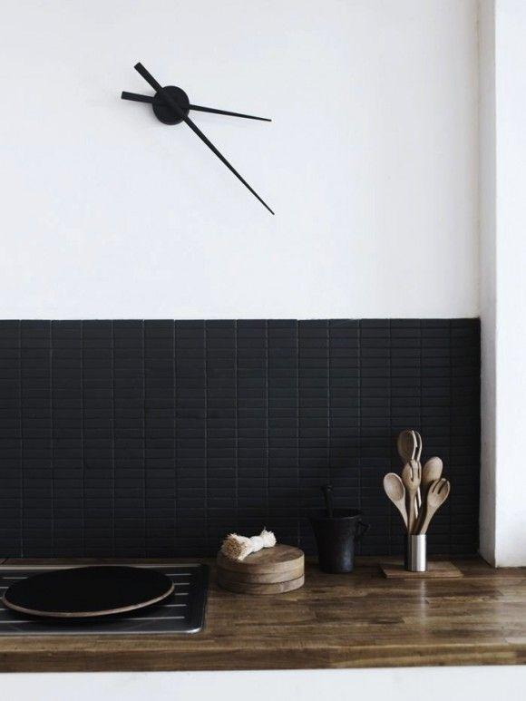 Tiny matte black subway tiles as backsplash? Yes please!