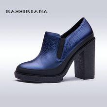 BASSIRIANA Bombas de Las Mujeres Nuevos 2017 Resorte de Las Mujeres Zapatos de Tacón Alto Gruesos Zapatos de Plataforma de Tacón Negro Azul de Alta Zapatos de tacón alto(China (Mainland))