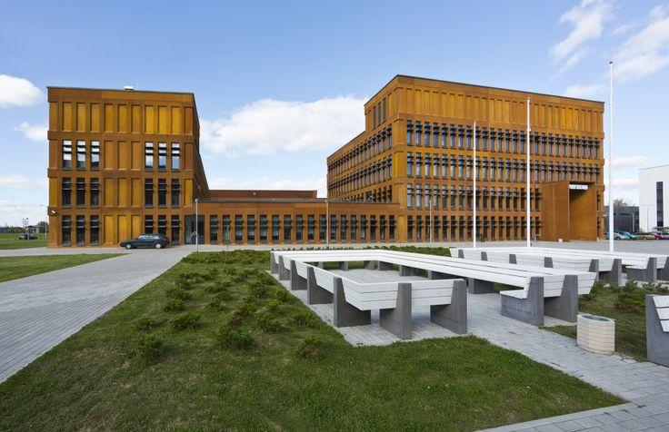 Tartu University Institute of Physics / Kadarik Tüür Arhitektid