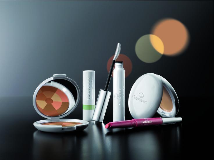 Avène Couvrance Make-Up |  Couvrance heeft zich weten te positioneren als het gespecialiseerde gamma bij uitstek voor kleurcorrectie, zowel voor kleine correcties (beperkte roodheid, kringen, ...) als voor meer uitgebreide correcties (na chirurgische ingrepen, geboortevlekken, couperose, vitiligo, brandwonden, ...).