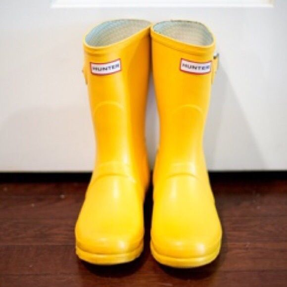 DISO Short yellow hunters! My tall pink hunters are still available and I would love to trade them for a short yellow pair!! Size 8 or 8.5 works! Willing to work with pricing! Hunter Boots Shoes Winter & Rain Boots