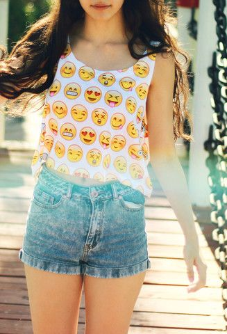 EmoSmiles Crop top - Fresh-tops.com