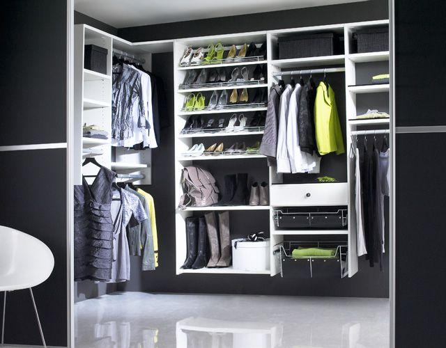 Walk In Wardrobes  (via www.ultralinx.com)