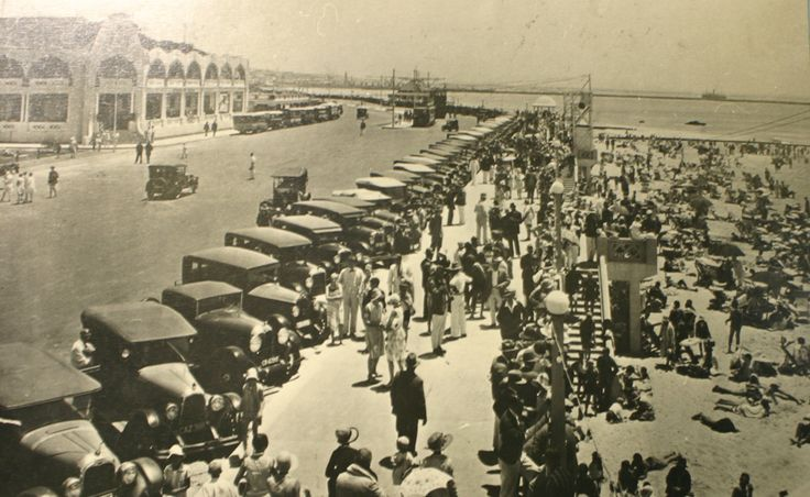 Humewood was The beach back then. All the larney's used to go there. Photo credit: millerslocal.co.za