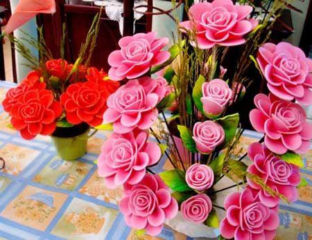 Aprenda a fazer artesanato passo a passo utilizando EVA para fazer flores: http://iloveflores.com/como-fazer-flores-em-eva-passo-a-passo-fotos-e-tutorial/ #iloveflores #eva #flores