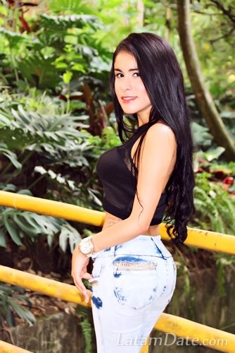 Profile of Caroline , 23 Years Old , From Medellin Colombia : Pretty Latin Girls
