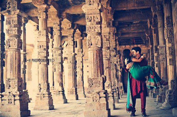 Romance at Qutub Minar by G+H Photography | MaharaniWeddings.com