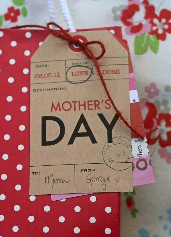 I'm sure this tag can be adapted to Christmas - - - Mothers Day Gift Bag WithTag