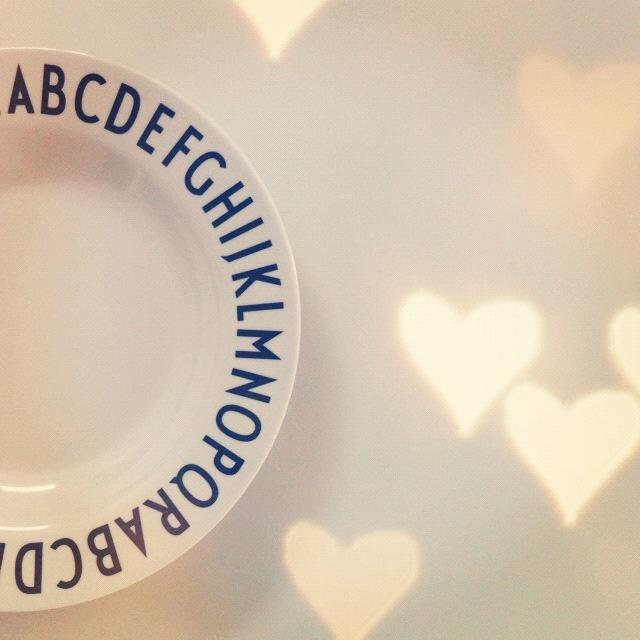 Design Letters melamine plate.