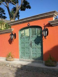 14 best images about fachadas on pinterest villas for Case in stile hacienda