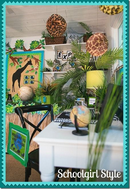I have been to Schoolgirl Style and have fallen in love with all the ideas she has for her Animal Adventure themed classroom... does anyone want help to change over their class for next year, I would love to make this happen :)