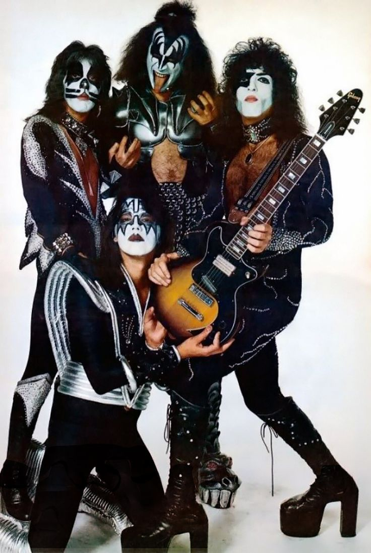 Peter Criss, Ace Frehley, Gene Simmons & Paul Stanley | Kiss  portland me september 2016                                                                                                                                                    More