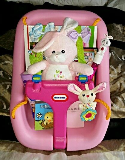 Las 25 mejores ideas sobre baby easter basket en pinterest little tikes swing easter basket for baby amelias 1st easter negle Gallery