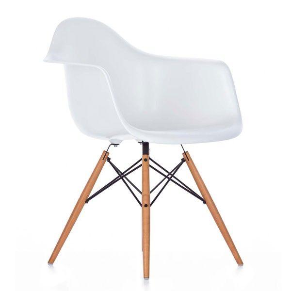 Der Vitra DAW Stuhl, Entworfen Von Den Star Designern Charles Und Ray  Eames, Ist Ein Zeitloser Designklassiker. Bestellen Sie Diesen In Der Neuen  Höhe ...