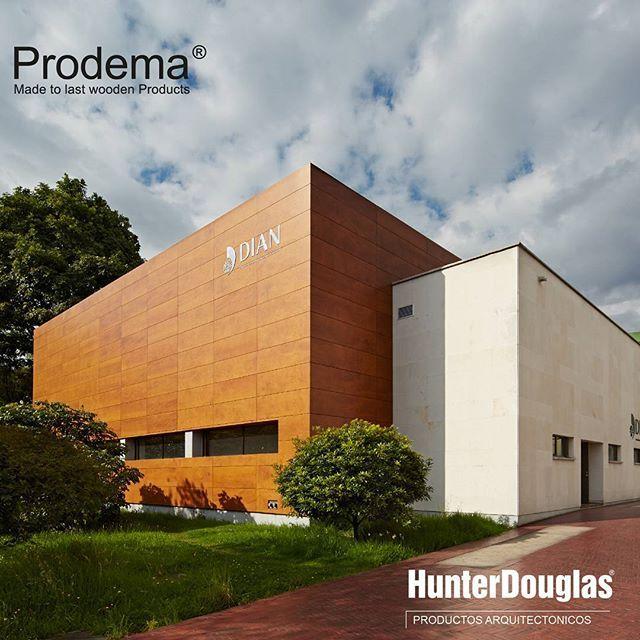 Prodema® es una generación de productos en paneles de madera natural, para Exteriores como para interiores. Este revestimiento es ideal en proyectos donde se requiera una arquitectura más saludable en todos los aspectos #Madera #Prodema #HunterDouglas #Innovación