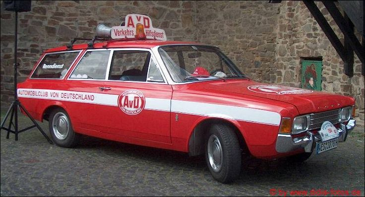 Rheinbach 2005 - Oldtimer-Rallye: Ford 17M AvD