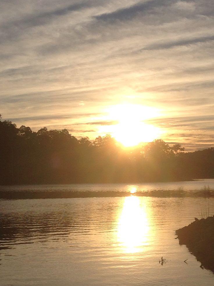 Hinze dam at sunrise