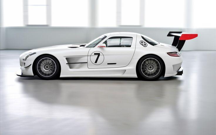 Mercedes-Benz SLS in white on wallpapers #mercedessls #wallpapers  www.yours-cars.eu