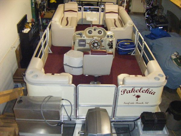 Center Console Layout On This Harris FloteBote Pontoon Customer Used A Corner Each Side In The Rear And Bench Seating With Lean Backs An Armrest For