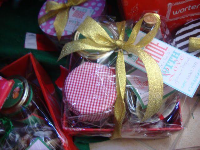 """Dia 2 A economia cá de casa: FAQ Sobre Cabazes de Natal   Um ponto de partida obrigatório para quem quer """"cozinhar"""" presentes."""