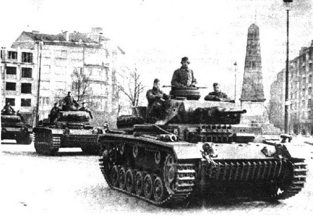 World War II Pictures In Details: Panzerkampfwagen III Ausf G and Ausf H in Bulgaria