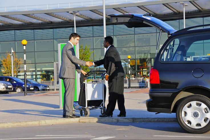 The one private car hire in UK's capital that is known for its bets quality Airport Transfers in London is called Airport On time Cars. It is one of the best in this business and offers the most affordable fares too.