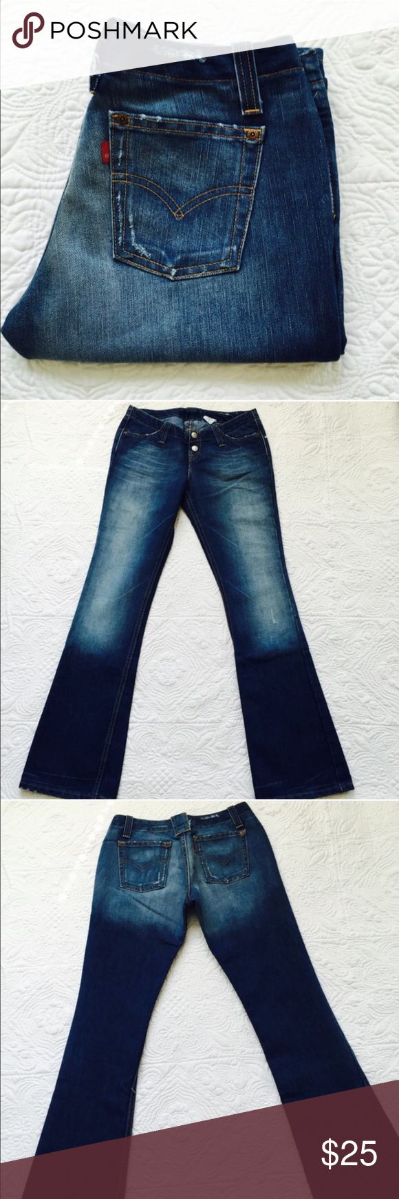 "Levi's 520 jeans New without tag. Rise 7"", inseam 32"", 58% cotton 42% polyester Levi's Jeans Boot Cut"