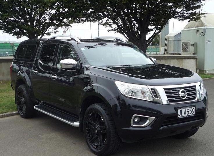 Nissan Navara NP300 black canopy