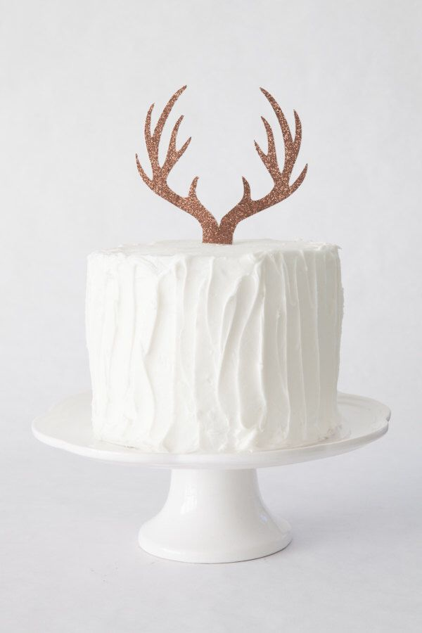 Antler Cake Topper, Deer Antler Cake Topper, Woodland Themed Cake Topper, Baby Shower Cake Topper by theSprinkleSisters on Etsy https://www.etsy.com/listing/466990274/antler-cake-topper-deer-antler-cake
