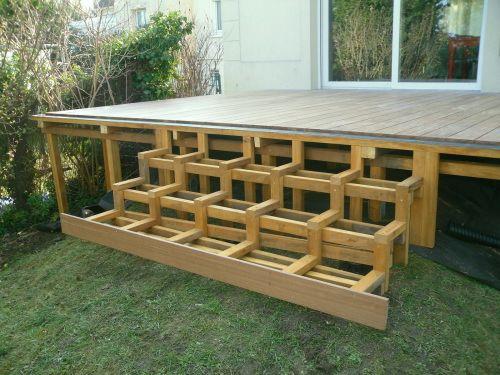 Faire des escaliers en bois exotique sur ma terrasse for Escalier terrasse exterieur jardin