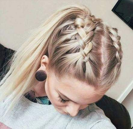 Over 20 trendy hairstyles for Dutch ponytail braids #styles #netherlands #ponytail #trendige