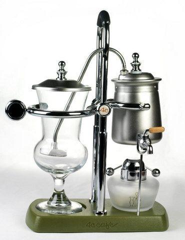 Balancing siphon coffee maker