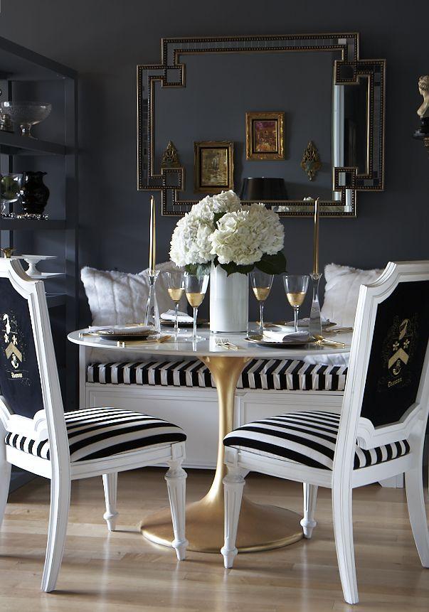 stół i krzesła w stylu barokowym