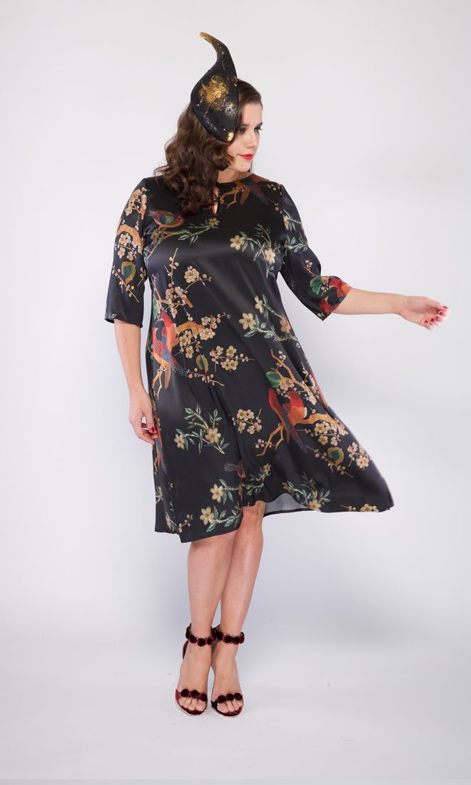The LINA shift dress features an oriental inspired digital print in silk. A beautiful and easy to wear silhouette for women of all sizes. Hat by The Essential Hat.  . . #viviennalorikeet#gowns#wedding #eveningwear#custommade #madetomeasure#highfashion#fashion #runwayfashion#bodypositive #glam#motherofthebride #motherofthegroom#cocktaildress#style #sequinned#beautiful#luxury #weddingdress#bridal#classic #armadale#melbourne#handbeaded #couture#shop#customdress#femininity…