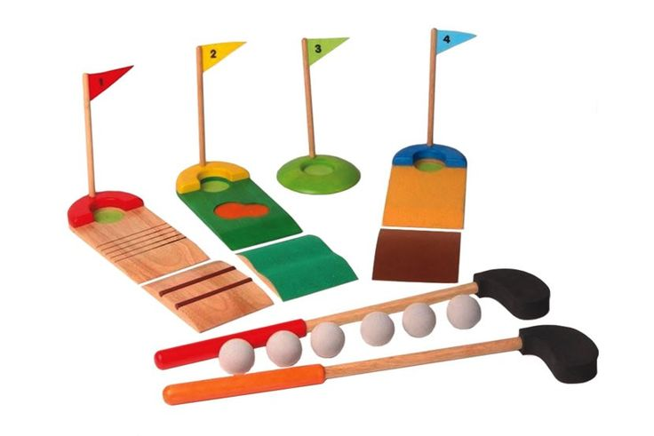 Voila - Wooden Golf Set #EntropyWishList #PinToWin perfect outdoor activity for Dad and Mr 3 year old