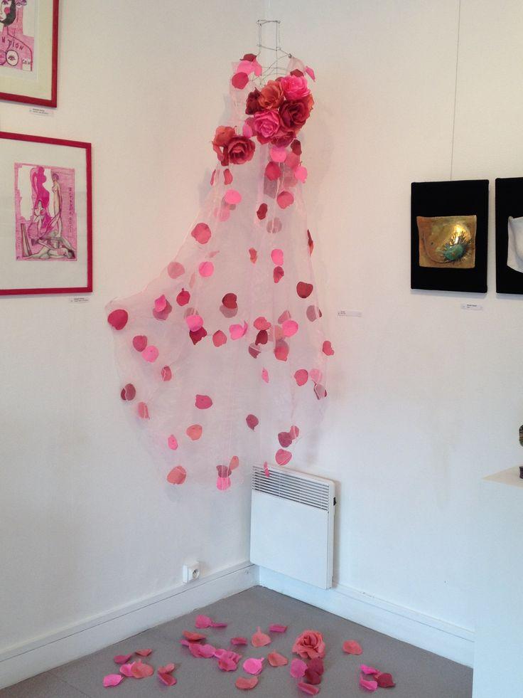 Robe d'Octobre de rose. exposition Octobre de rose 2014