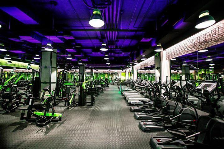 Athletica Gym Men S Super Hero Shirts Women S Super Hero Shirts Leggings Gadgets Gym Design Gym Interior Gym Decor