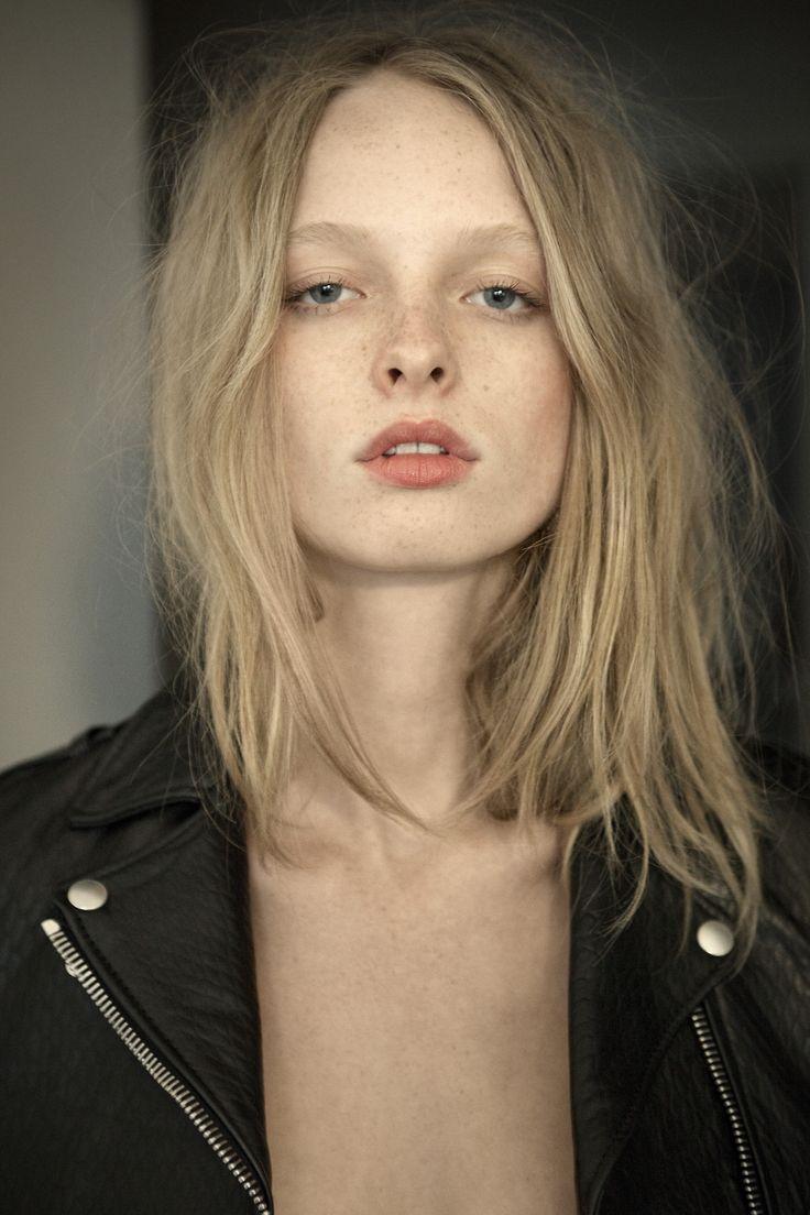Eva Photographed by Derek Henderson LOVEWANT Issue 6