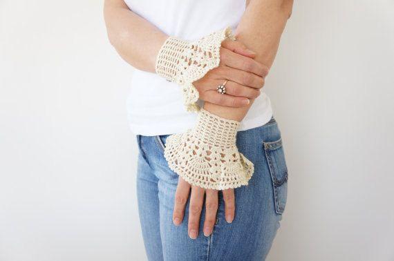 Bracciale avorio romantico pizzo Crochet polsini di Sudrishta