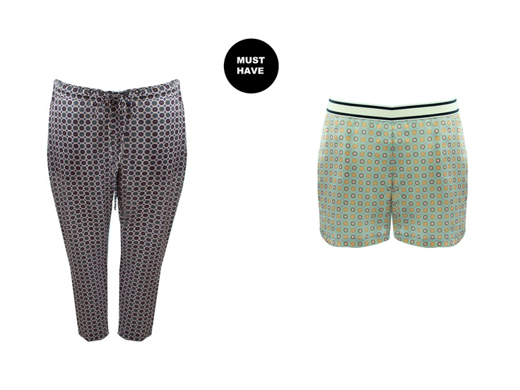 Ties Printed tapered pants and ties printed sporty shorts: something male in the female