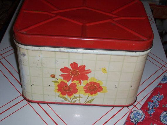 Vintage Red and Off White Floral Bread by MirandasRoom on Etsy, $22.00