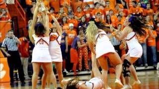Hilarious Funny Cheerleading Fails - http://heywtfnews.com/2014/01/13/wtf-fails/hilarious-funny-cheerleading-fails/