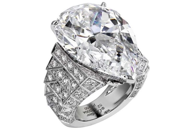Cartier's 30ct Diamond Alternates Between A Necklace And A Ring