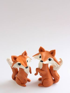 Want to learn how to make these adorable Fox Cake Toppers?! Sign up for a free membership! Tons of tutorials available to teach you how to make amazing, creative cakes! Click through for more information.
